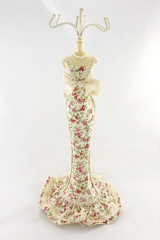 Подставка - цветочное длинное платье