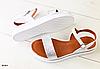 Босоножки кожаные серебристо-белые без каблука