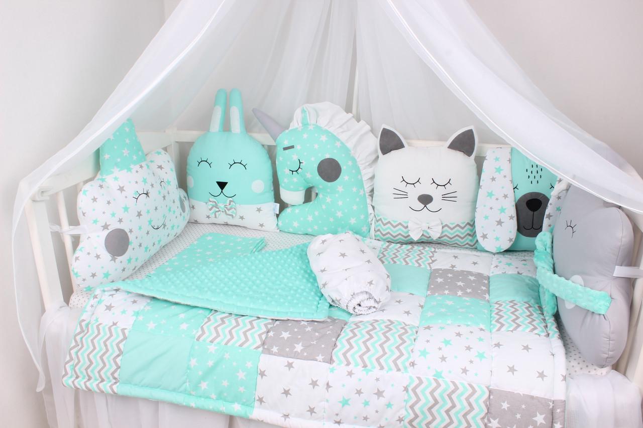 Комплект в кроватку мятный с зверюшками