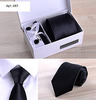 Подарочный черный набор: галстук, запонки, платок, зажим