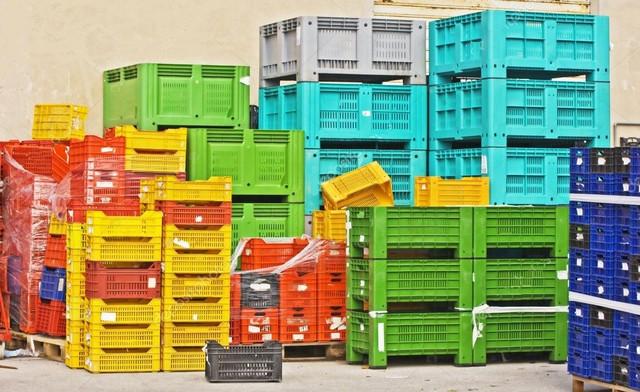 Пластиковые ящики, лотки, контейнеры