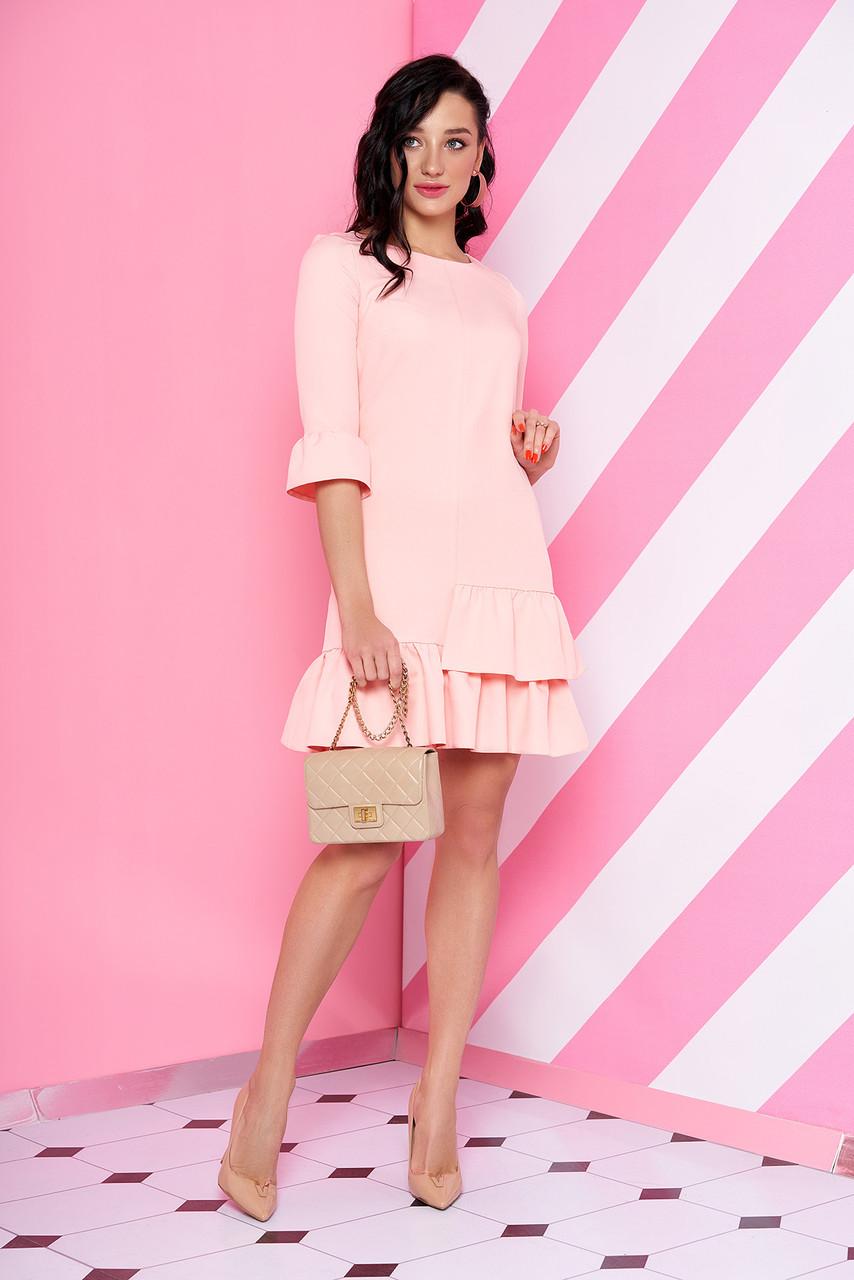 Нарядное платье мини полуоблегающее с рюшами рукав три четверти персикового цвета
