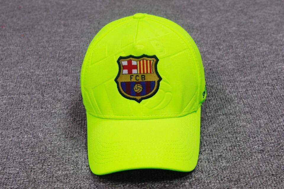 Футбольная кепка Барселона салатовая