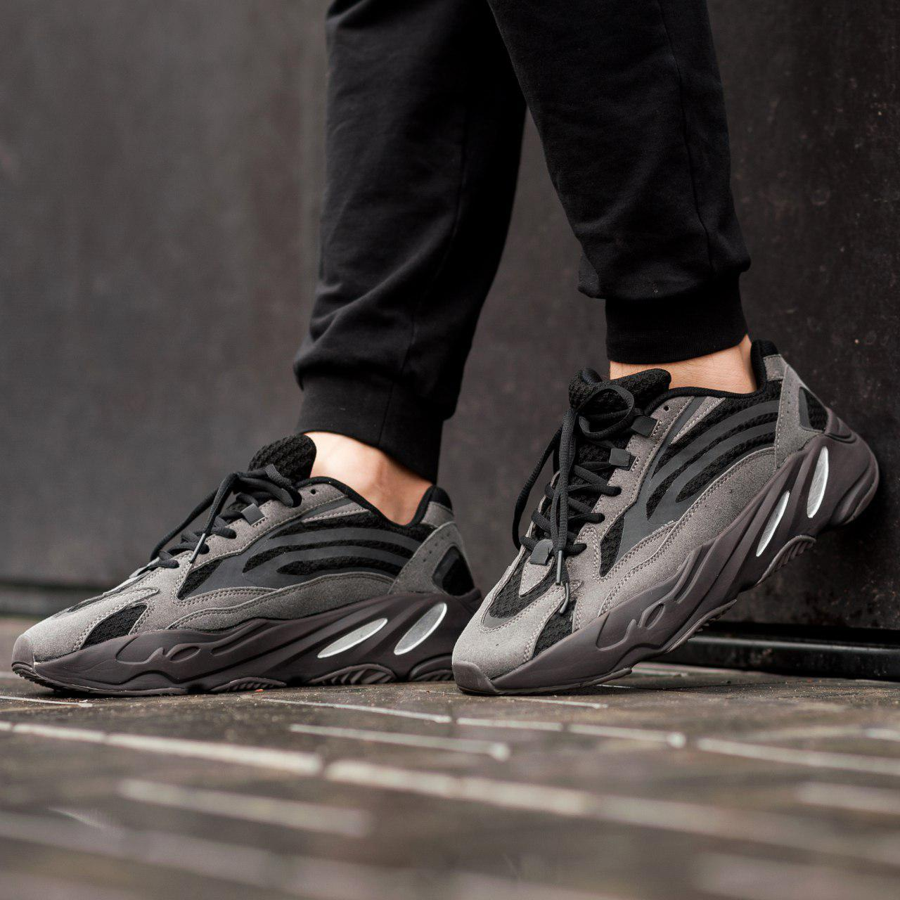 Мужские кроссовки Adidas Yeezy Boost 700 V2 Black (Реплика ААА+)