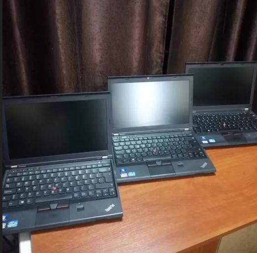 Ноутбук Lenovo X230 i5 3320M диск 160 GB 4 ОЗУ 12.5 дагонал usb 3.0