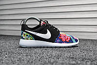 Кроссовки женские в стиле Nike Roshe Run код товара TD-8019. Черные с цветочным принтом