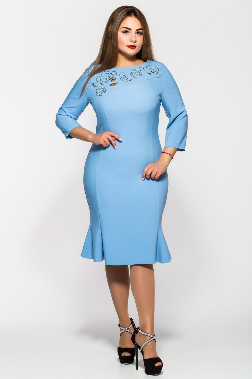 Оригинальное платье с перфорацией Анюта голубое Размеры 54,56,58