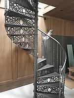 Чугунная винтовая лестница, D=1.6 м