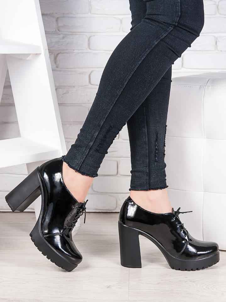 Кожаные туфли на каблуке 6988-28