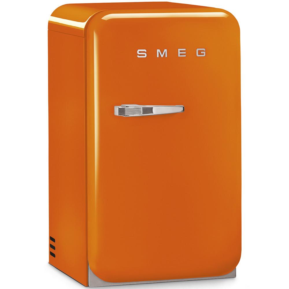 Окремо стоїть міні-бар, стиль 50-х років Smeg FAB5ROR помаранчевий