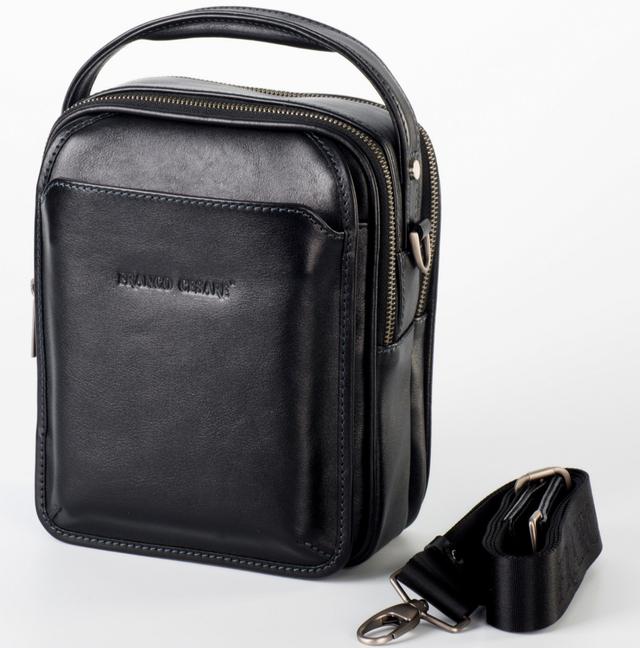 d63d3036b68d Кожаная объемная мужская сумка-борсетка с клапаном, которую можно носить  как за ручку, так и на плече. Имеет 2 отдельно закрывающихся отделения и 2  наружных ...