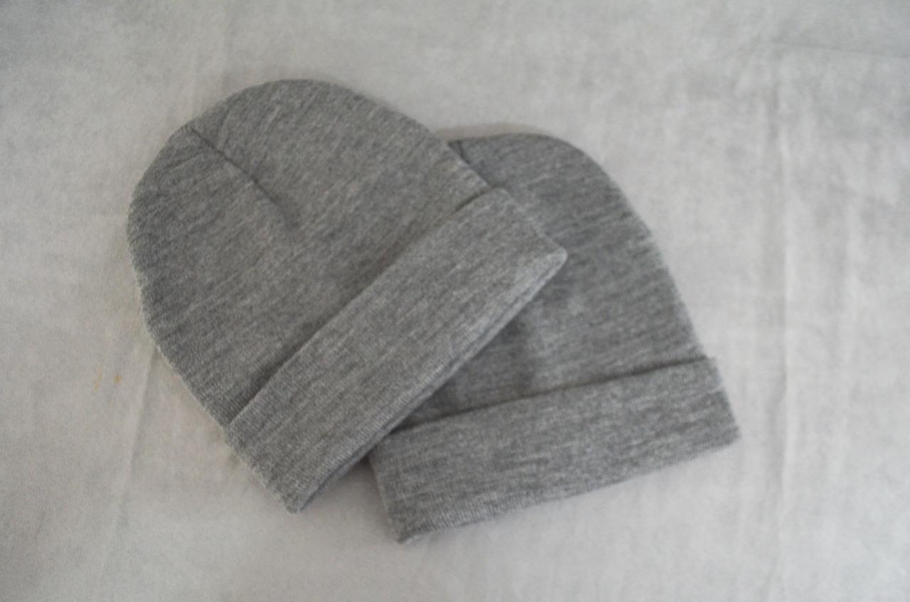 Теплая зимняя шапка , черная, серая, тепла шапка