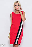 90a86d396a5454e Красное обтягивающее платье по фигуре из эластично трикотажа с диагональным  трехцветным декором с кнопками по всей