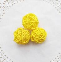 Декоративный желтый шарик для муравьиной фермы (зелёное дерево, 3х3 см)