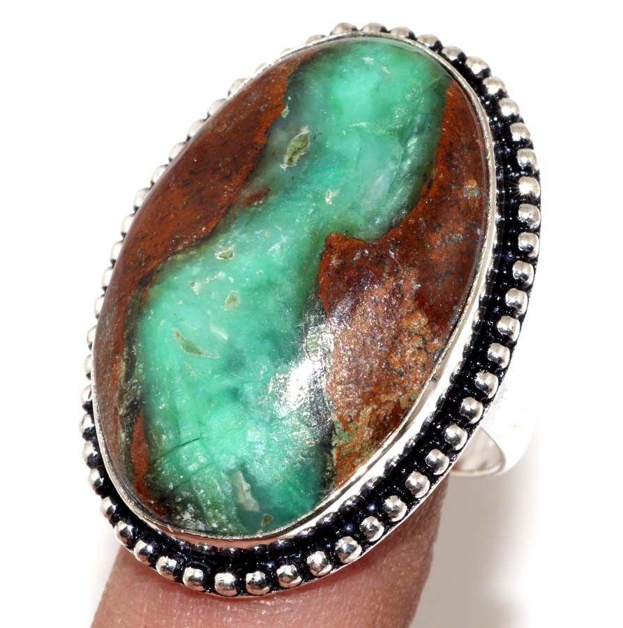 Кольцо природный хризопраз в серебре. Кольцо овал с  хризопразом в породе 18-18,5 размер Индия сертификат
