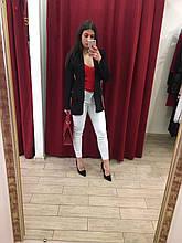 Жіночий піджак чорний з червоною смугою з боків Італія