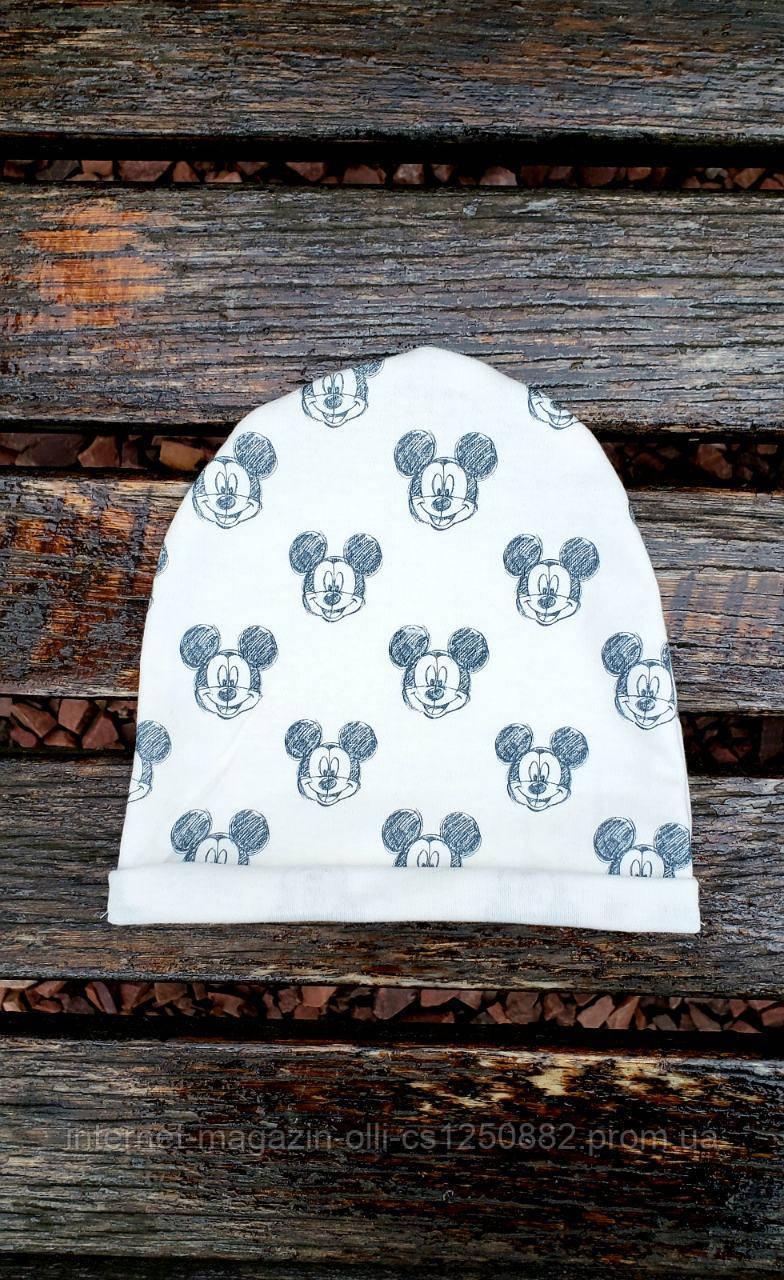 Шапка серая с принтом Mickey Mouse