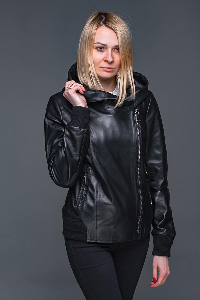 871e4b11ab8 Женский кожаная куртка под резинку с капюшоном -