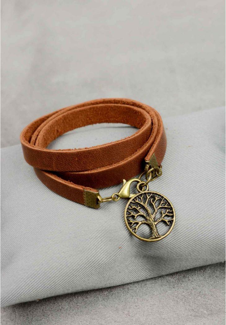 """Кожаный браслет-лента в три оборота с подвеской на застежке """"Крона"""". Цвет коньяк"""