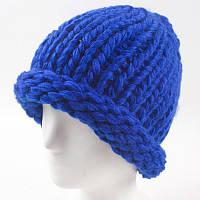 Вязаная женская зимняя шапка бежевая