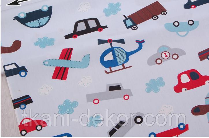 Сатин (хлопковая ткань) на голубом фоне машинки, вертолеты, самолеты