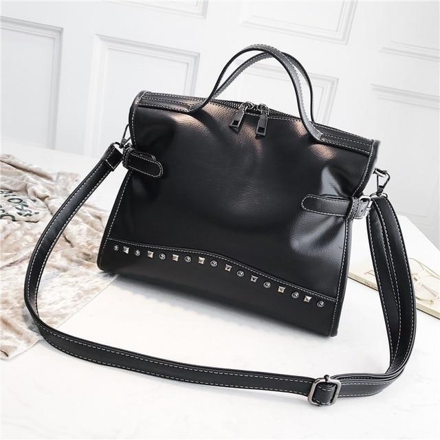 Женская черная сумка с длинным ремнем код 3-419