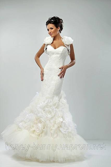 Прокат 3000 грн.  Свадебное платье из гипюра и кружев «FLEUR» силуэт русалочка