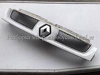 Решетка радиатора Рено Трафик -06 б/у (Renault Trafic II)