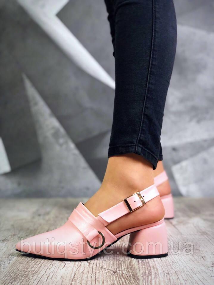 Женские туфли пудра на небольшом каблуке натуральная кожа