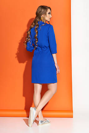 Весеннее платье выше колен свободного кроя пояс с воротником рукав три четверти электрик, фото 2