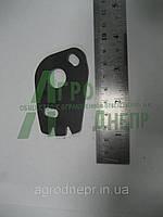 Пластина фиксатора 36-1022053-А ЮМЗ