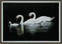 """Милая картина  """"Лебединая семья"""" из кристаллов ручная работа"""