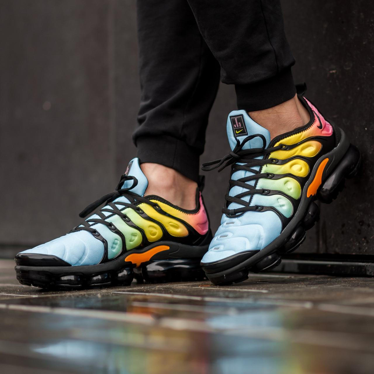 Мужские кроссовки в стиле Nike Air Vapormax Plus color (Реплика ААА+)