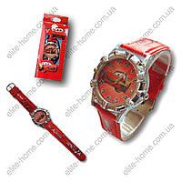 """Детские наручные часы """"Тачки (Молния МакКуин)"""" в подарочной упаковке (красный ремешок)"""