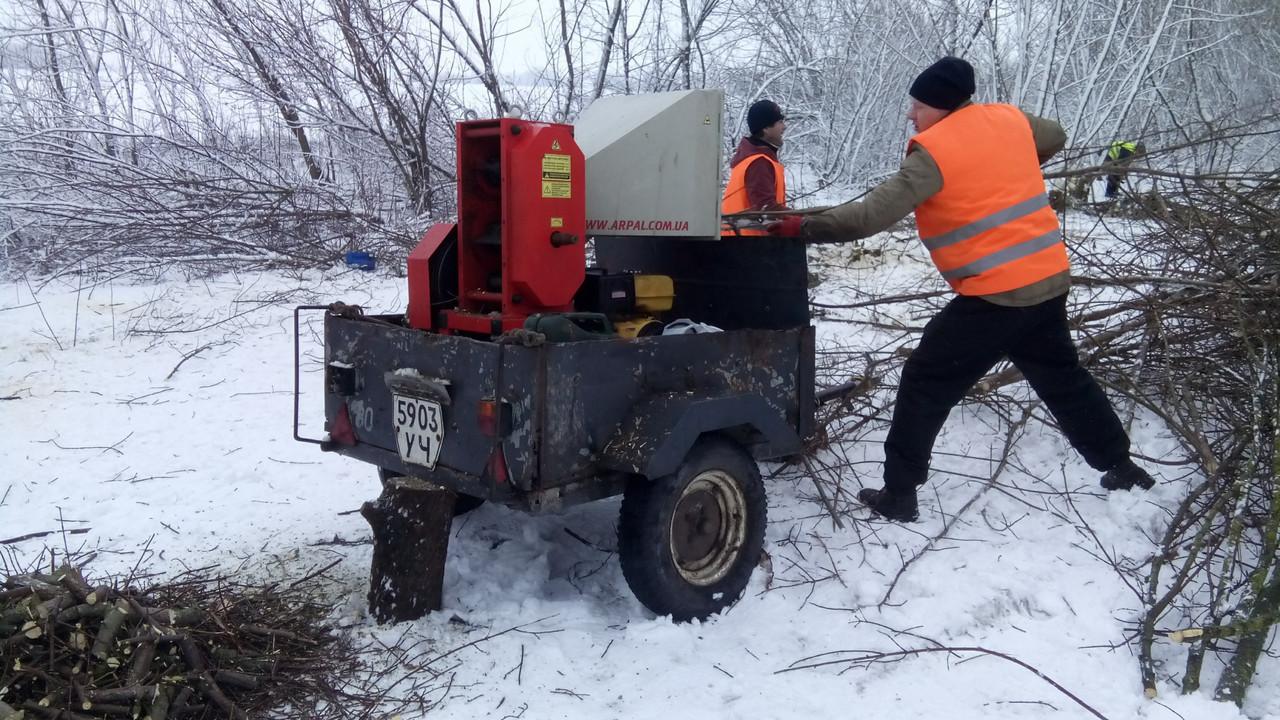 Подрібнювач гілок оренда + дві людини Київ