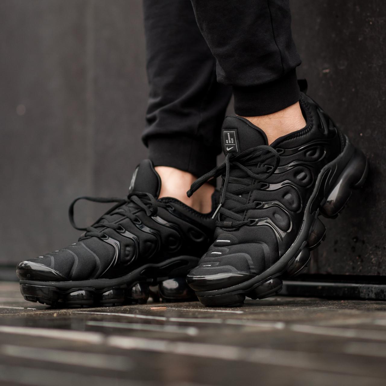 Мужские кроссовки в стиле Nike Air Vapormax Plus Black (Реплика ААА+)