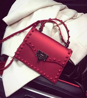 Модная маленькая женская сумка. Сумка женская с заклепками, размер S (красная)