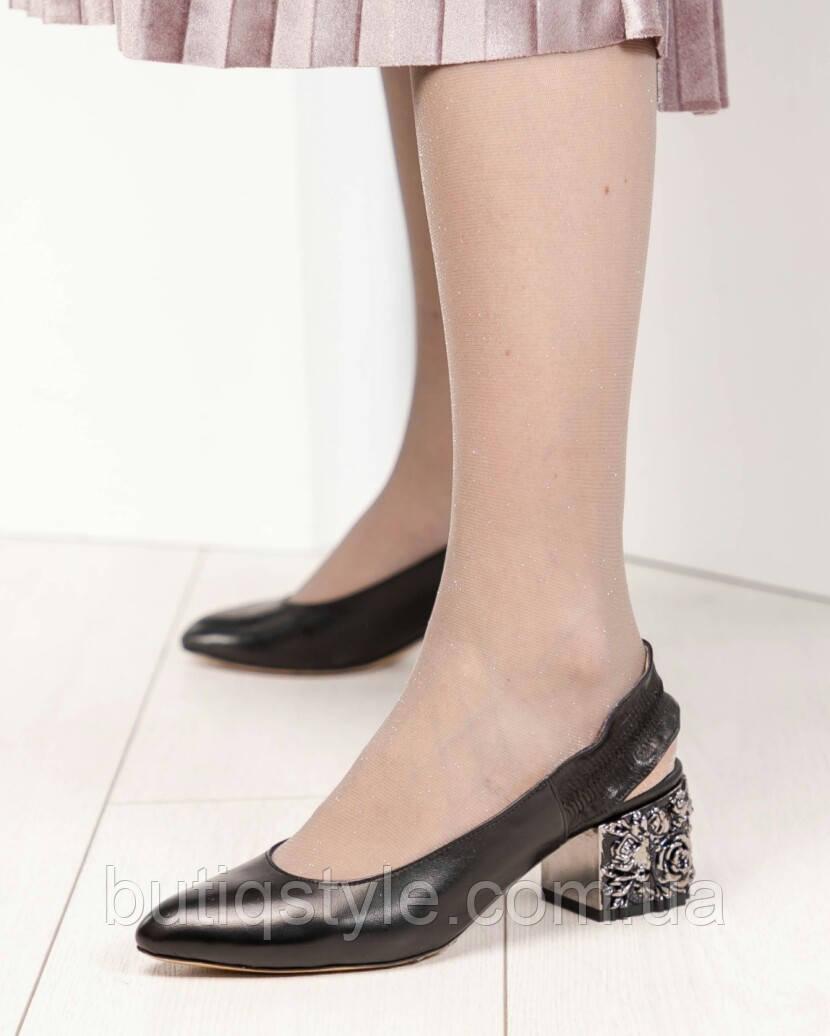 Женские черные туфли Mario Muzi на небольшом декорированном  каблуке натуральная кожа, Турция
