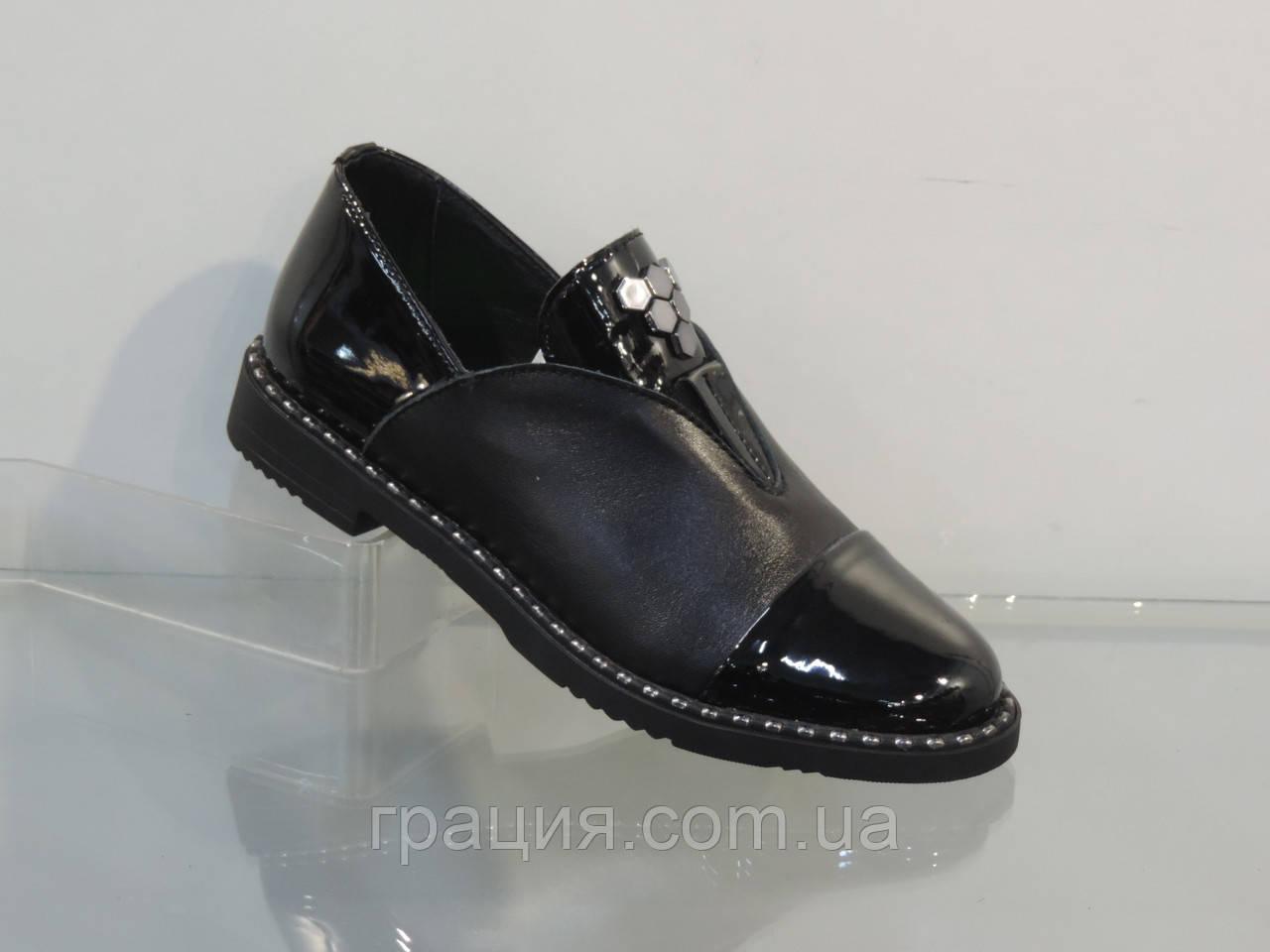 Женские стильные туфли на резинке лак/кожа натуральная