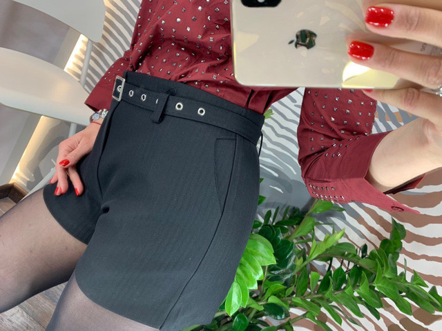 женские стильные шорты