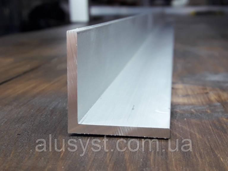 Уголок 25х25х2 алюминий, анод