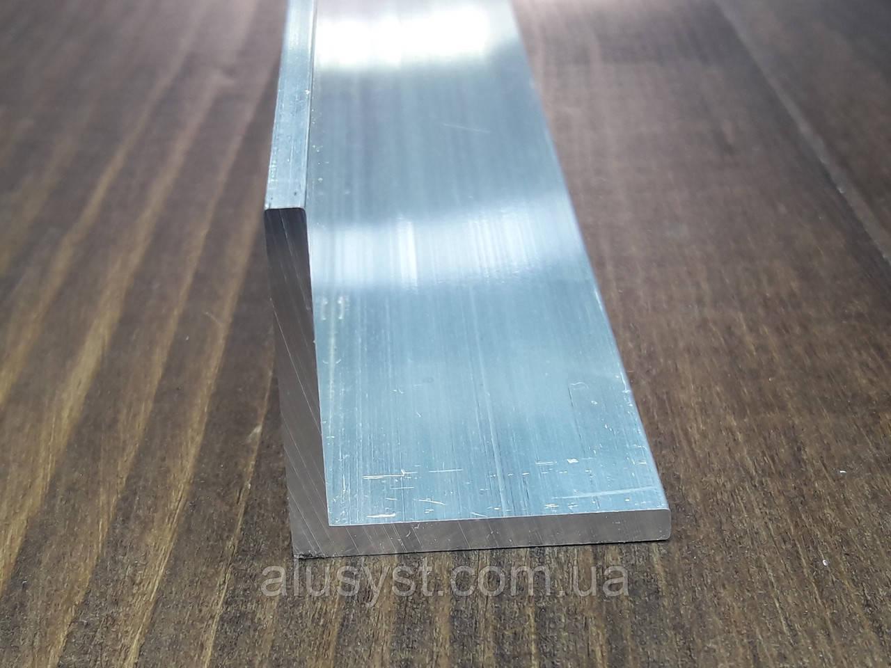 Уголок50х50х3 алюминий, без покрытия