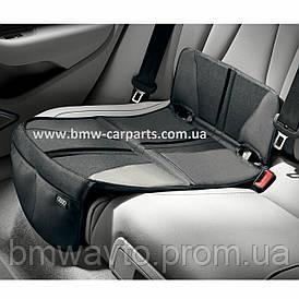 Подкладка под детское автокресло Audi