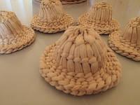 Брыль сувенирный,плетенный из рогоза