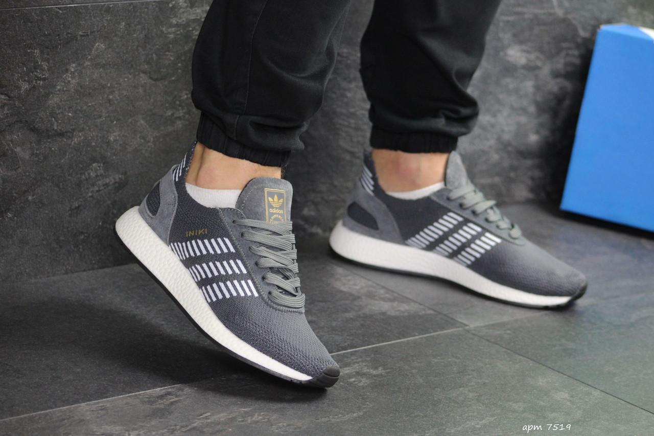 Мужские кроссовки Adidas Iniki (серо-белые)