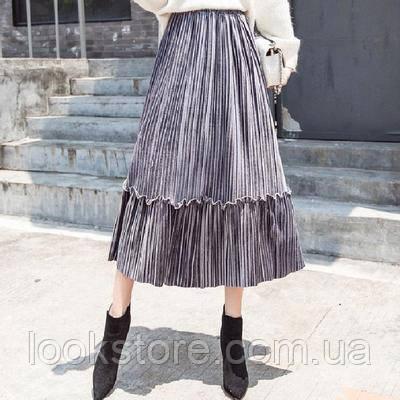 Женская плиссированная длинная юбка бархатная с рюшами серая