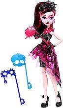 Кукла Monster High Дракулаура Танец без страха Draculaura Welcome to Monster High Dance