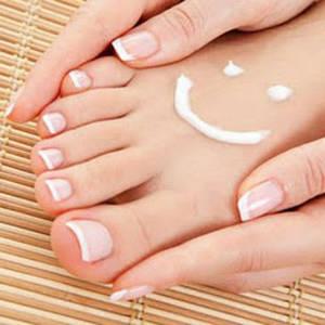 засоби по догляду за шкірою ніг