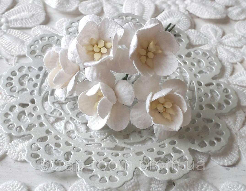 Цветы вишни бумажные белые 2.5 cм, цветок вишни белый, бумажный цветок вишни, цветок Таиланд, цена за 1 шт