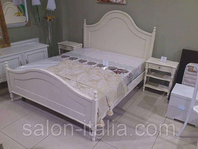 Спальня ВТС (Італія) Натуральне дерево: ліжко, стоики, шафа